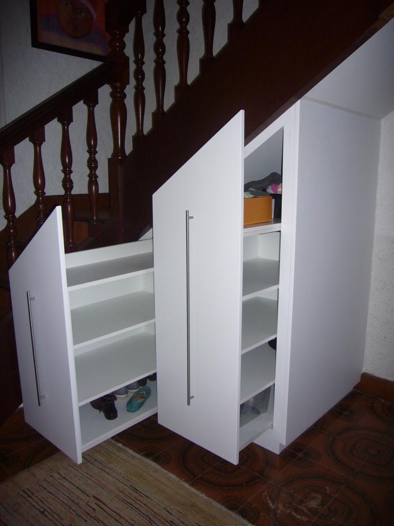 Les placards - Meuble chaussure sous escalier ...