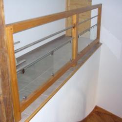 garde-corps long bois, métal et verre
